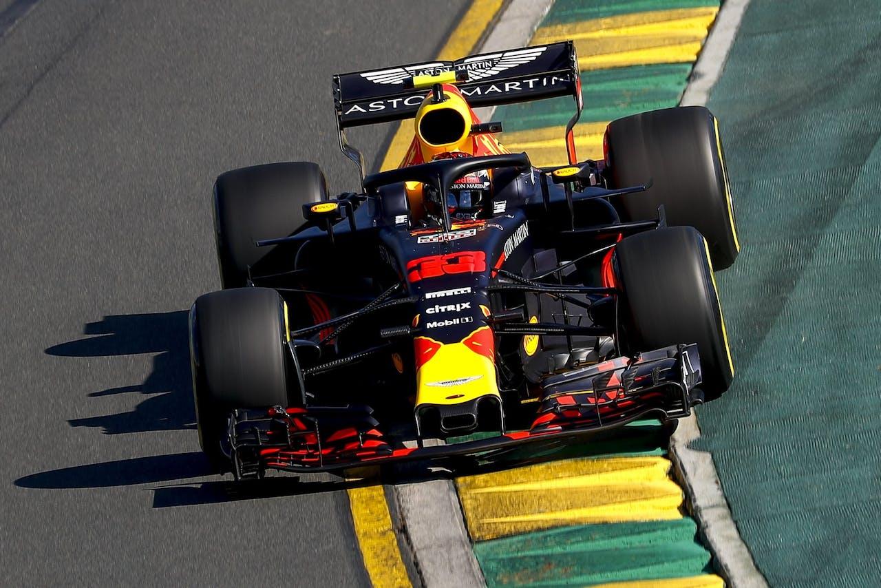 Max Verstappen tijdens de vrije training in Australië