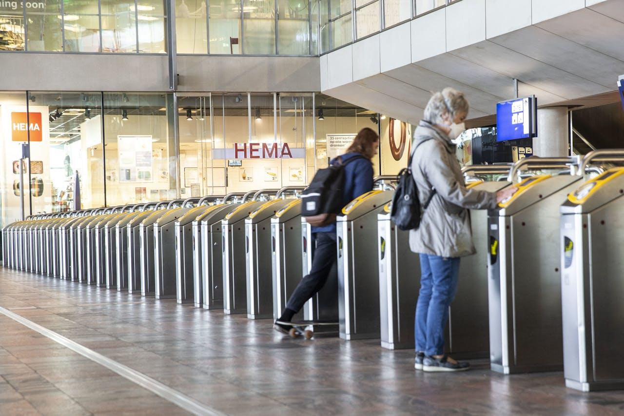 Stilte op station Rotterdam Centraal.