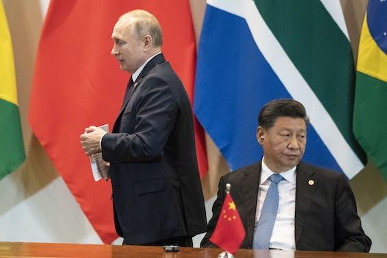 Het Rusland van Poetin en het China van Xi worden beschuldigd van het op grote schaal verspreiden van desinformatie tijdens de coronacrisis.