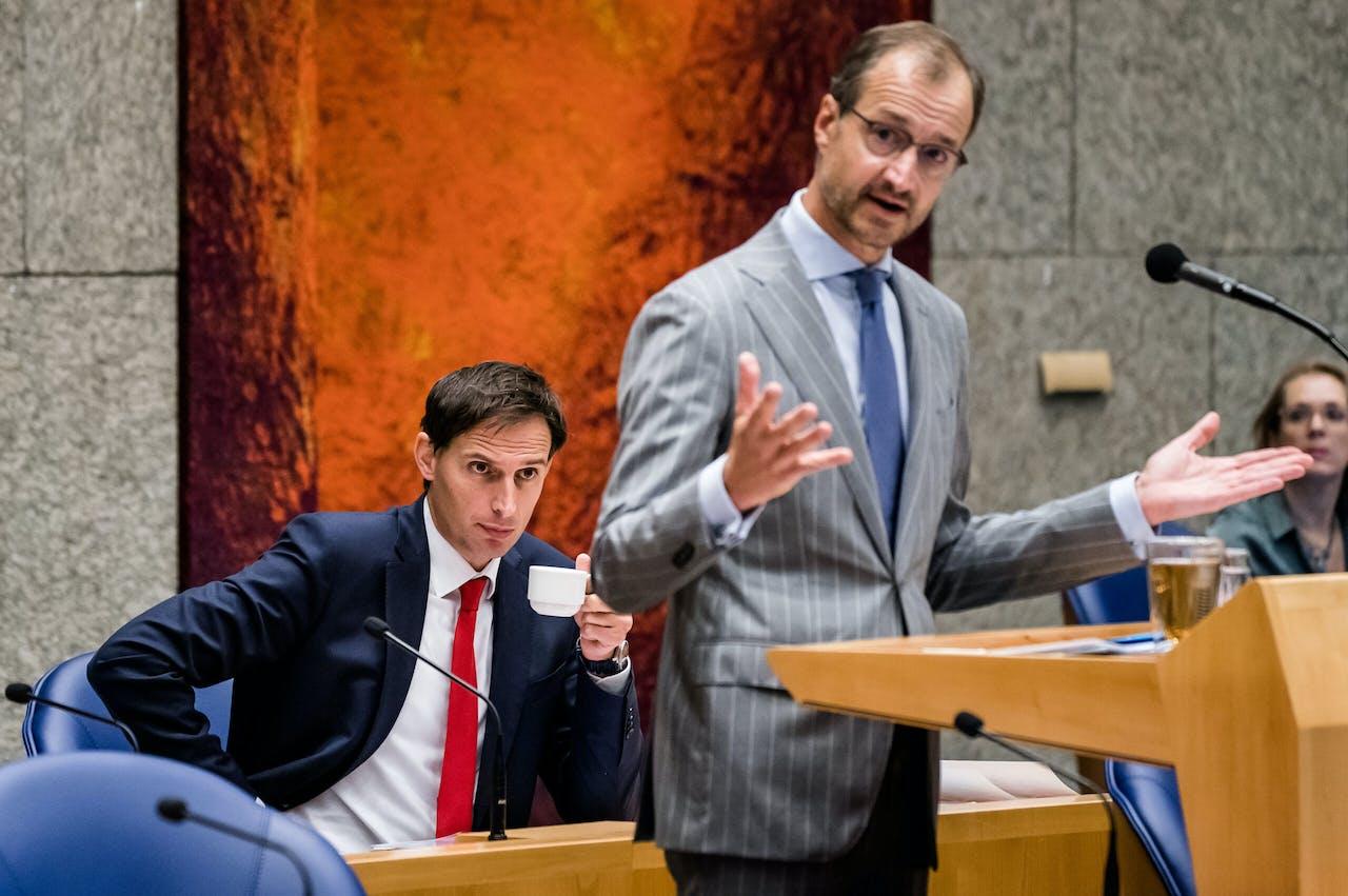Minister Wopke Hoekstra van Financiën (CDA) en Minister Eric Wiebes van Economische Zaken