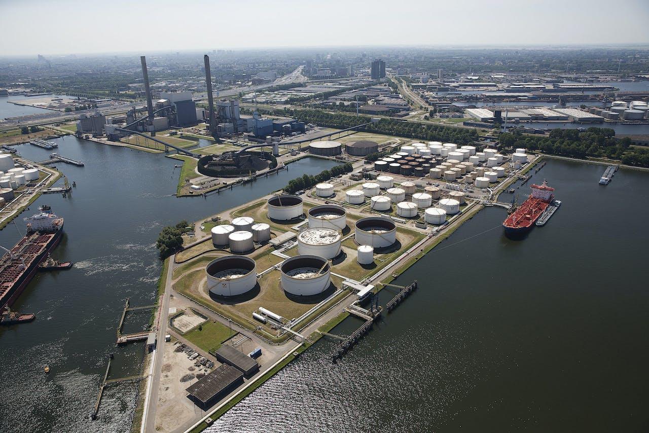 2013-07-21 12:46:19 AMSTERDAM - Luchtfoto van de Amsterdamse haven. ANP JERRY LAMPEN