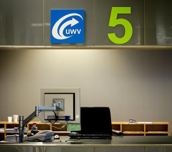 Een loket bij het Werkplein van het UWV in Amsterdam.