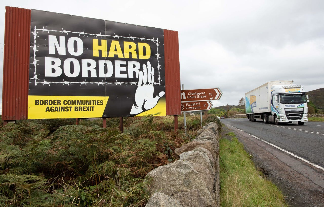 Een protestbord tegen een 'harde' grens tussen het noorden en zuiden van Ierland.
