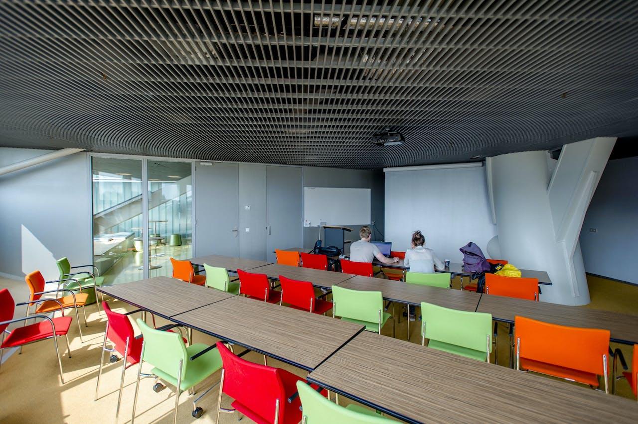 Hoorcollegezaal in het Linnaeusborggebouw op het Zernike comple x