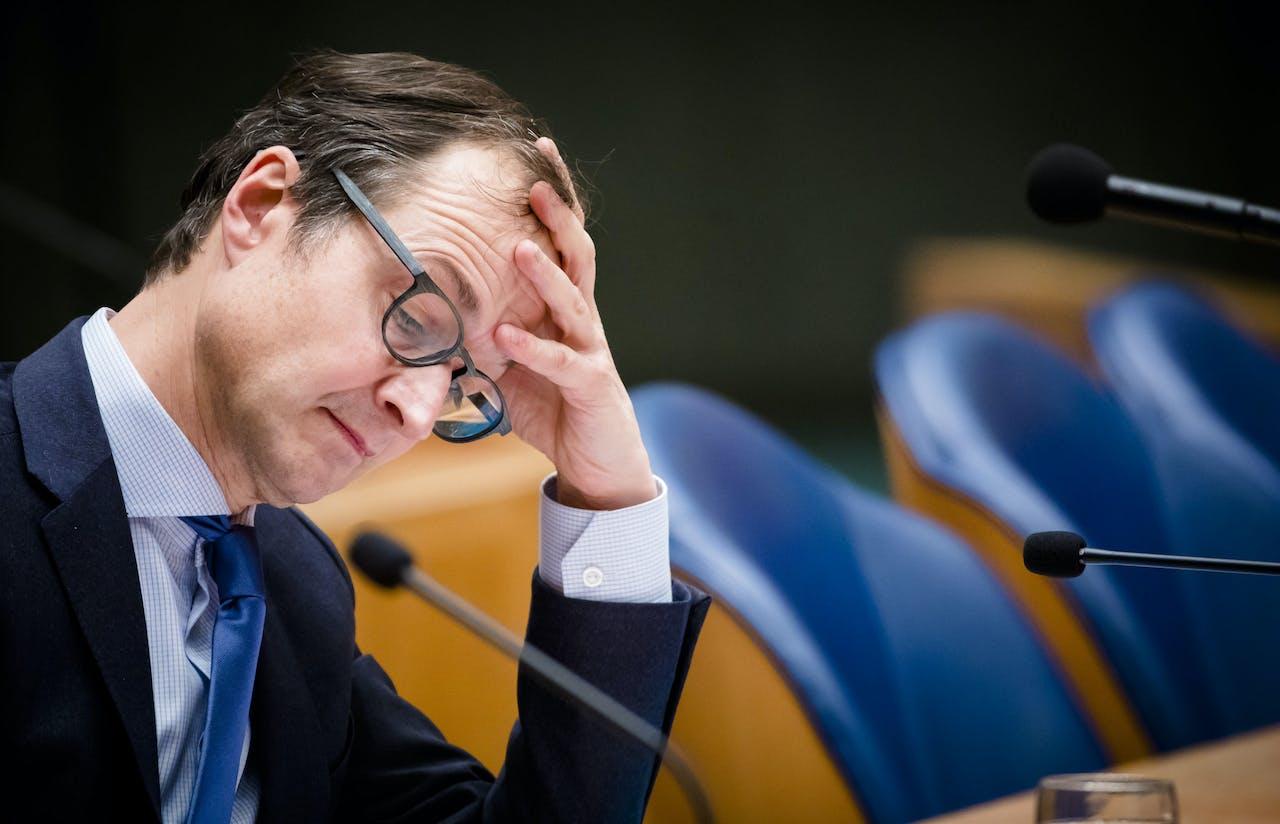 Minister Wiebes tijdens het debat in de Tweede Kamer over de gaswinning in Groningen.