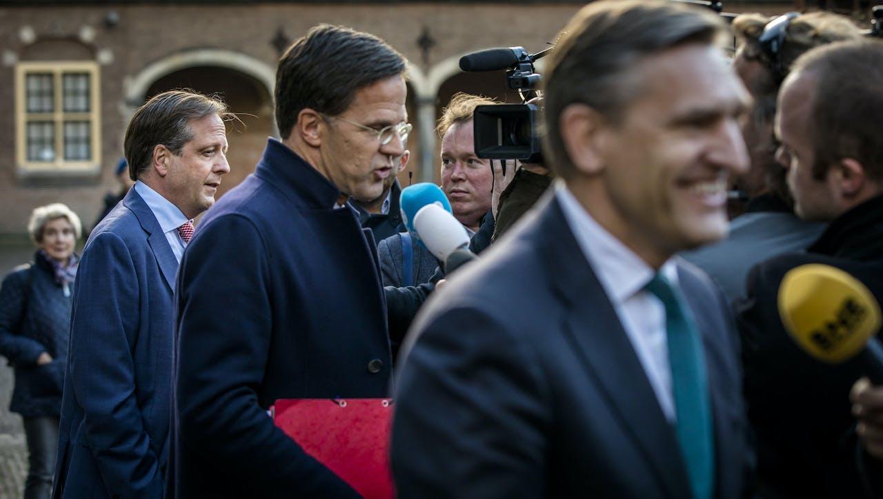 Pechtold, Rutte en Buma, vrijdag na afloop van de besprekingen met informateur Gerrit Zalm.