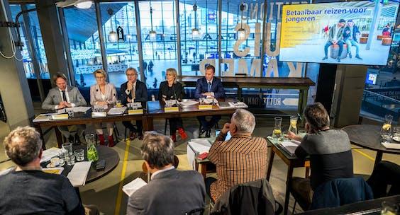 Roger van Boxtel, Marjan Rinte en CFO Bert Groenewegen