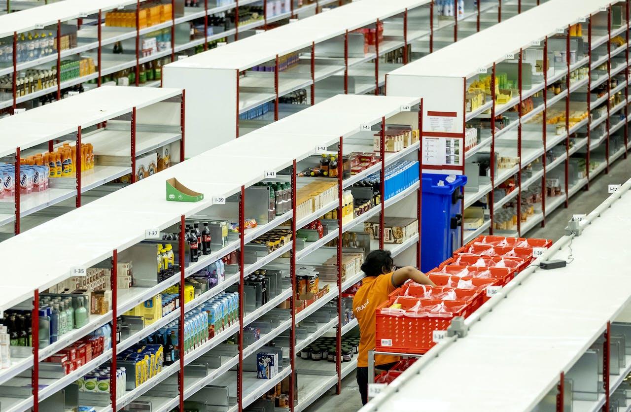 Een welgevuld distributiecentrum