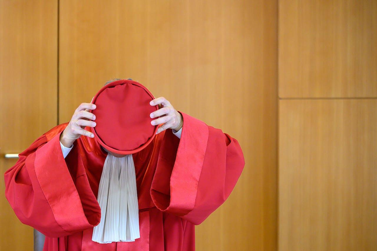 Voorzitter van het Duitse Constitutionele Hof na het uitspreken van vonnis in zaak tegen opkoopprogramma van de ECB.