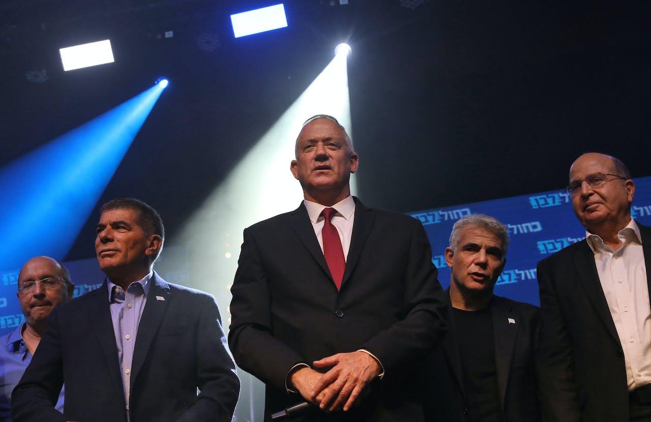 Centraal onafhankelijke kandidaat Gantz van de partij Blauw en Wit.