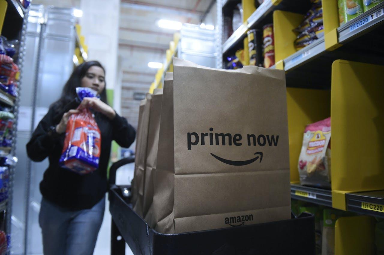 In het buitenland is Amazon ook actief met Prime Now, een bezorgdienst voor dagelijkse boodschappen. Op de foto een magazijn voor deze dienst in Singapore.