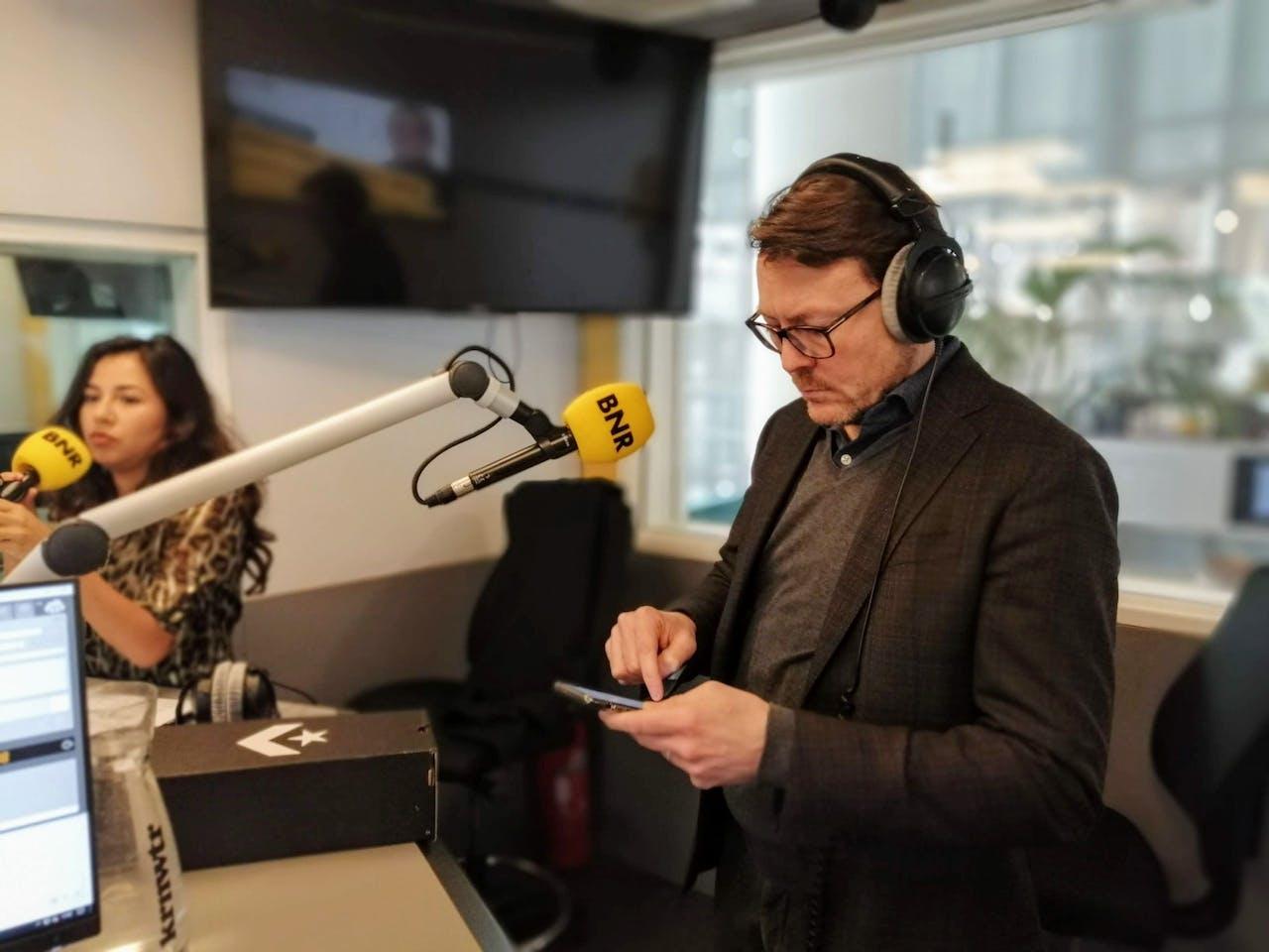 Prins Constantijn in de BNR-studio