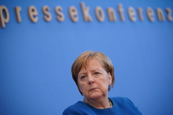 Angela Merkel tijdens de persconferentie