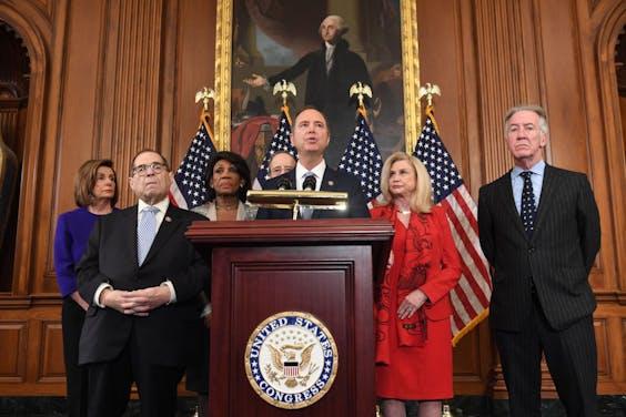Het Amerikaanse Huis van Afgevaardigden komt met twee aanklachten in de afzettingsprocedure tegen president Trump.