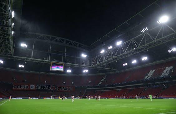 Een lege Johan Cruijff ArenA tijdens Ajax - Liverpool