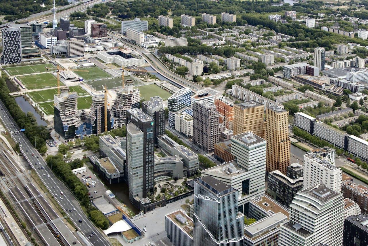 2020-06-01 14:57:46 AMSTERDAM - Luchtfoto van de torens aan de Zuidas in Zuid van Amsterdam. ANP DUTCHPHOTO