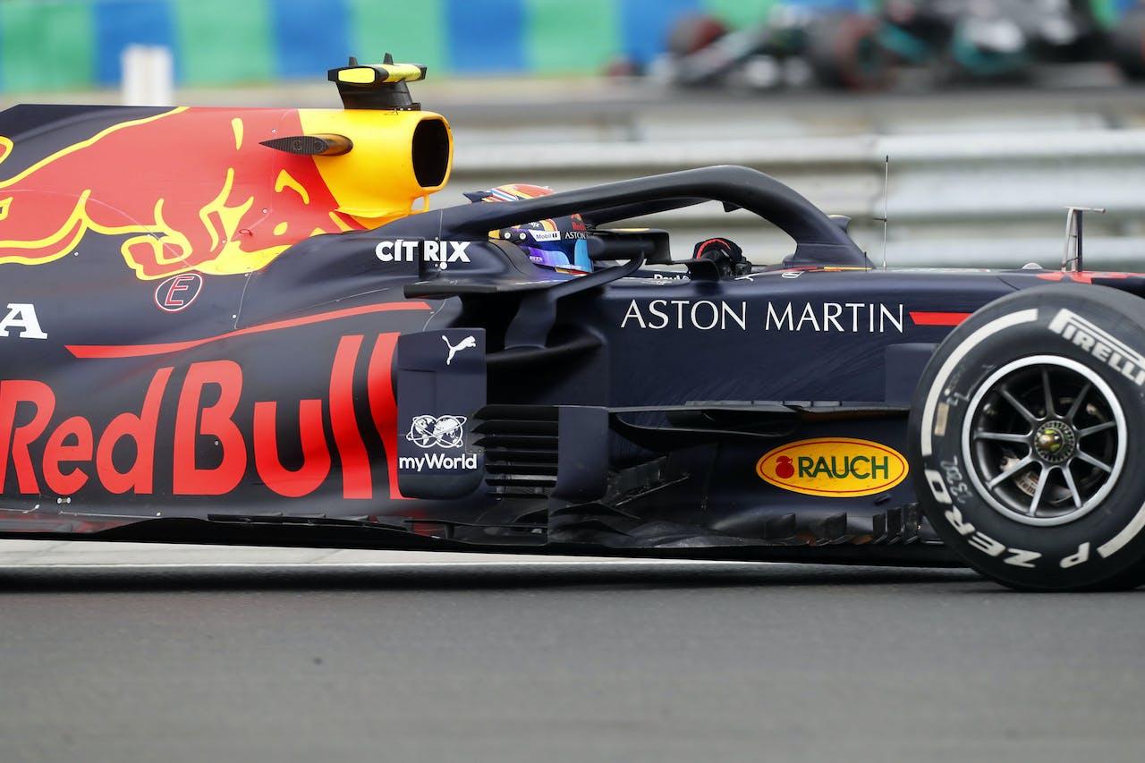 Alexander Albon, de teamgenoot van Max Verstappen, tijdens de Grand Prix van Hongarije