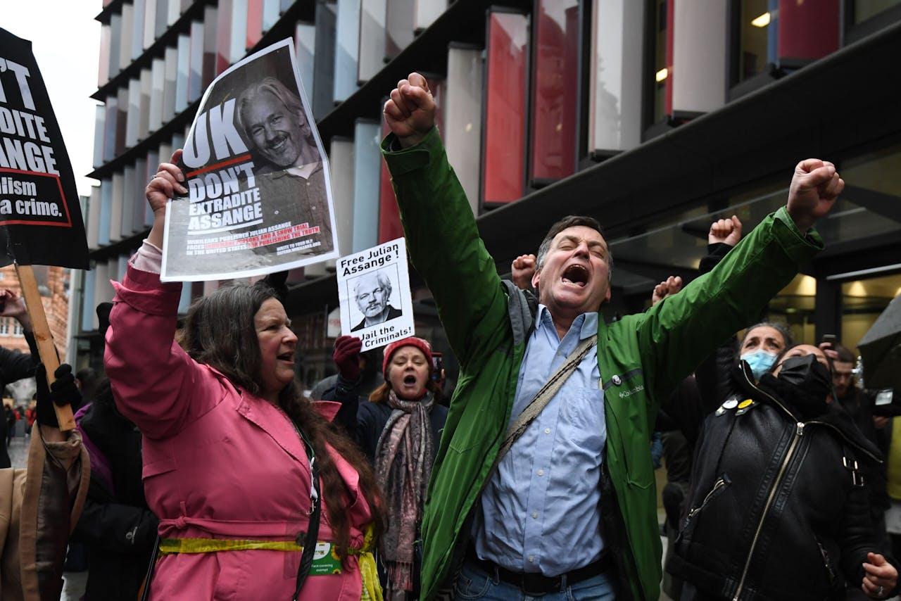 Supporters van Julian Assange