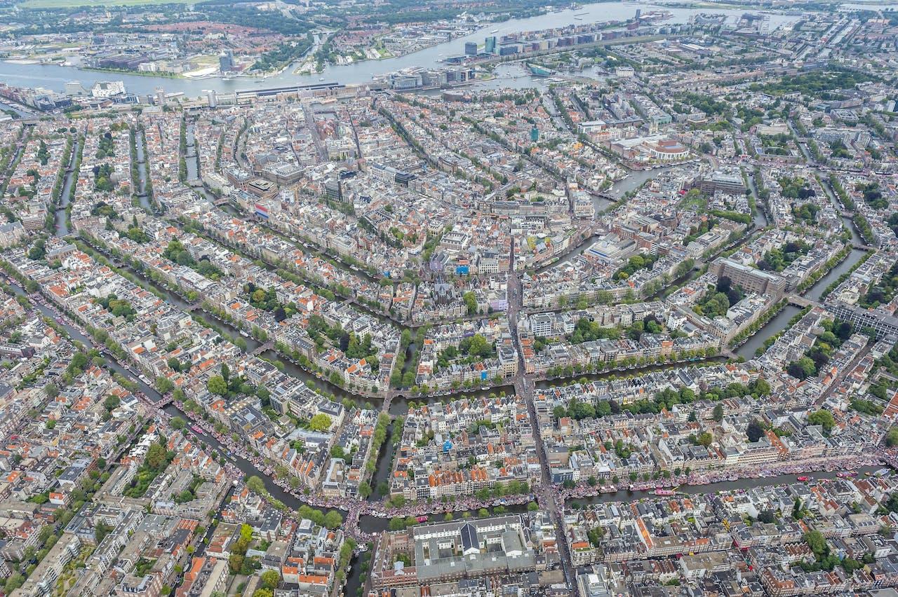 Amsterdam vanuit de lucht.