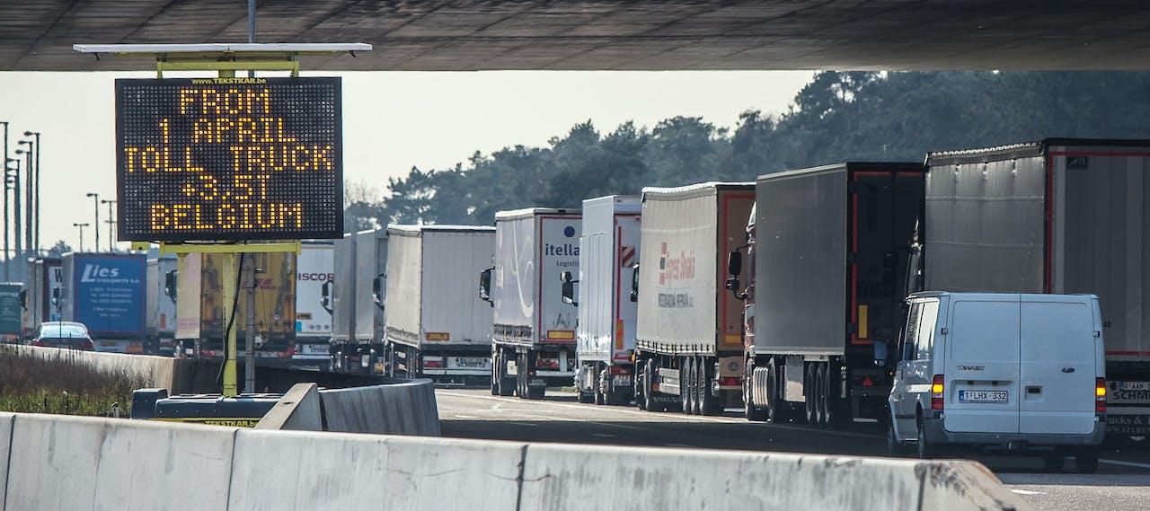 De invoering van de verplichte tolkastjes in Belgie verloopt chaotisch.