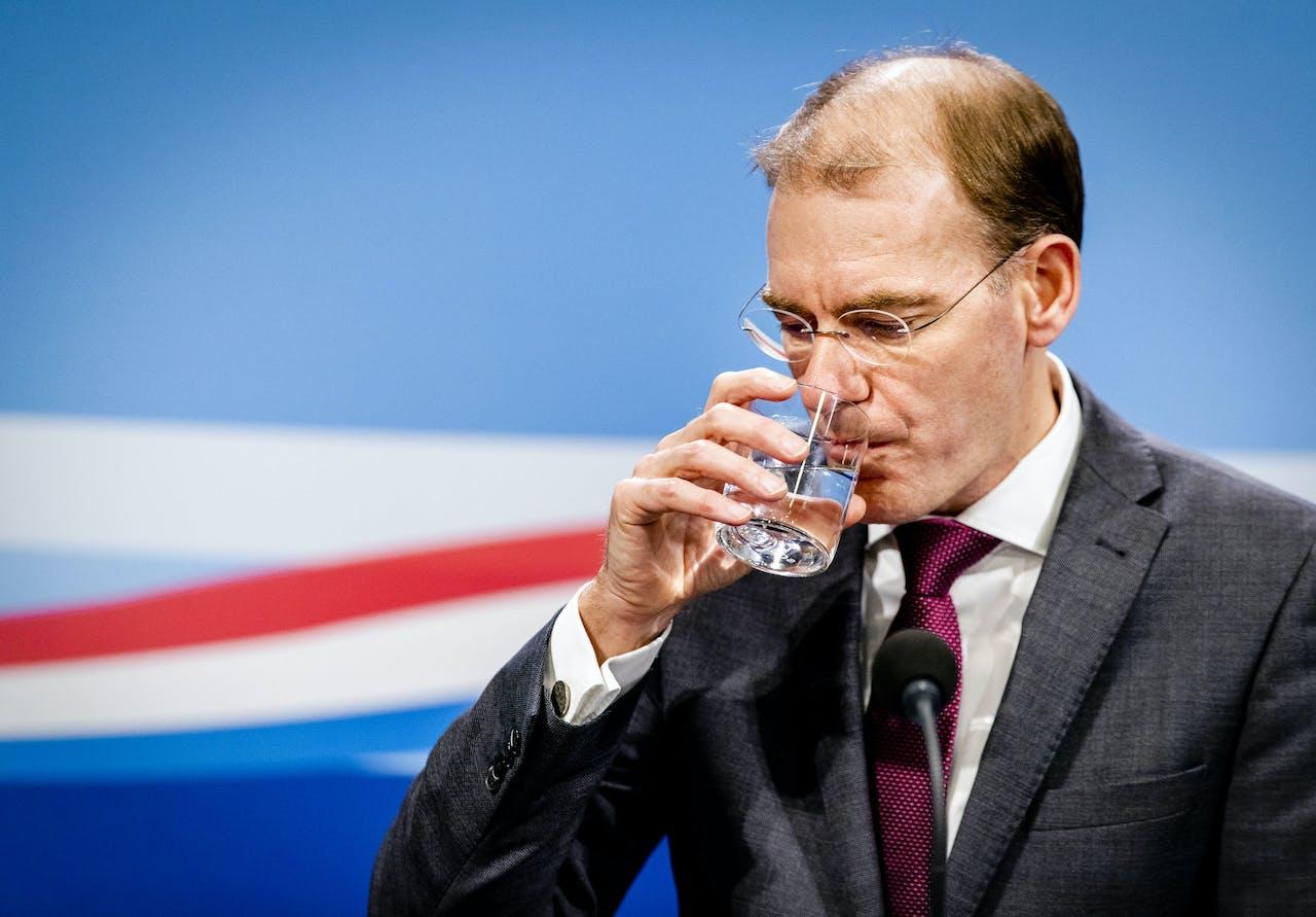 Staatssecretaris Menno Snel van Financien tijdens een persconferentie
