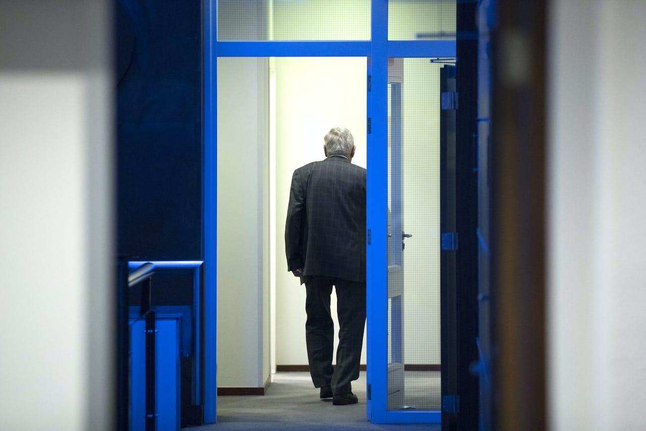 Wethouder Jo Palmen reageert in de gemeenteraad van Brunssum op een onderzoek naar zijn integriteit.