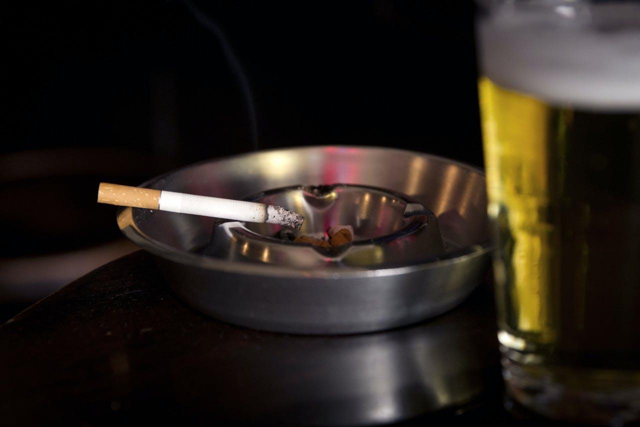 Amsterdam: Roken in het café.