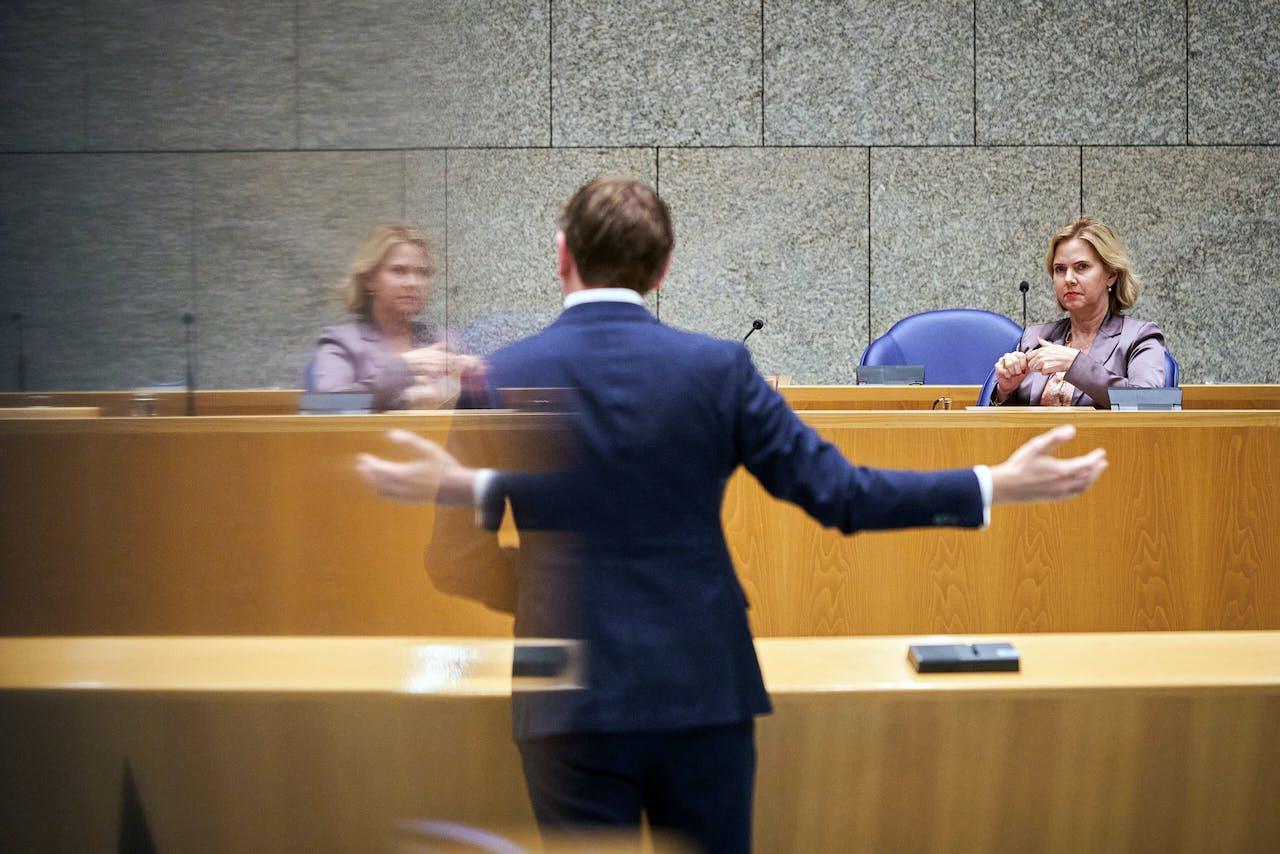 D66-Kamerlid Jan Paternotte en Minister Cora van Nieuwenhuizen