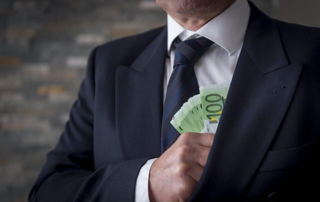 Even geen bonussen dit jaar, zegt de VEB.