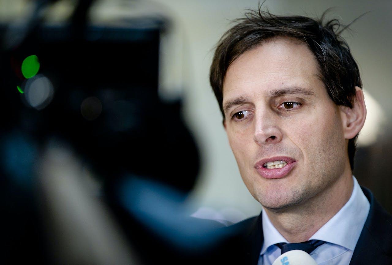 Minister Wopke Hoekstra staat de pers te woord na afloop van het wekelijkse coalitieoverleg.