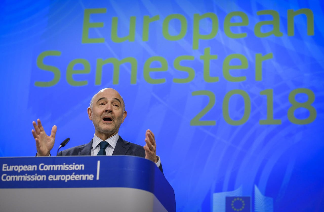2018-03-07 13:14:59 epa06586664 Pierre Moscovici, the European Commissioner for Economic and Financial Affairs, Taxation and Customs gives a press conference, at the European Commission in Brussels, Belgium , 07 March 2018 , to present the European Semester Package, setting out the EU's economic and social priorities for the year ahead. EPA/OLIVIER HOSLET