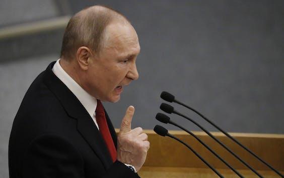 President Vladimir Poetin spreekt de Doema toe s