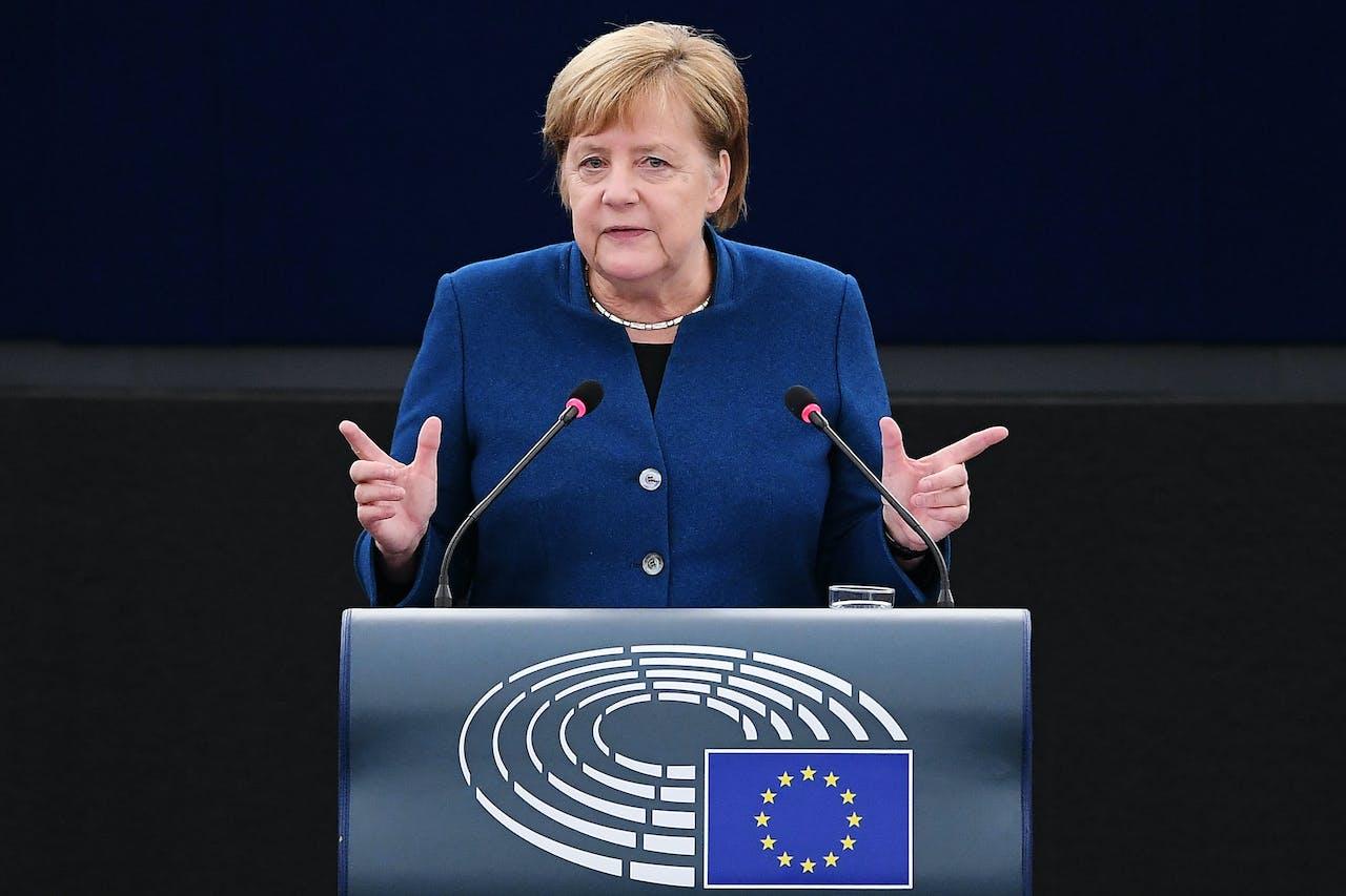 Angela Merkel in het Europees parlement.