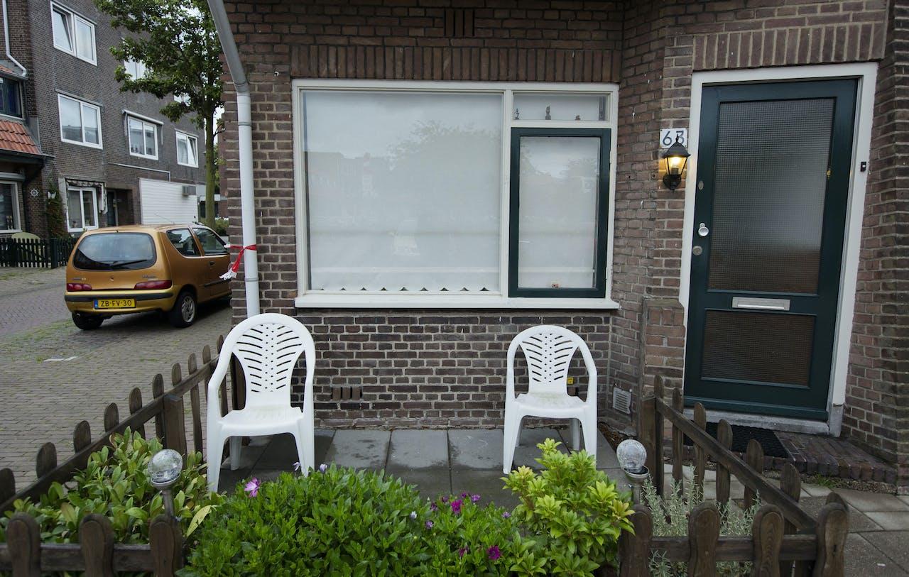 DEN HAAG - Bij een woning in de Larensestraat in Den Haag is vannacht een baby gevonden. Die was daar te vondeling gelegd. ANP BART MAAT